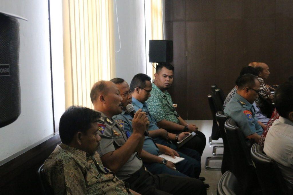 Diskusi pada kegiatan forum koordinasi penanganan tindak pidana perikanan di Provinsi Jawa Timur