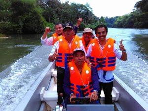 Bapak Kepala Desa Tawangrejo Kecamatan Binangun Kabupaten Blitar Susur Sungai Bersama Pokmaswas Fajar Bengawan