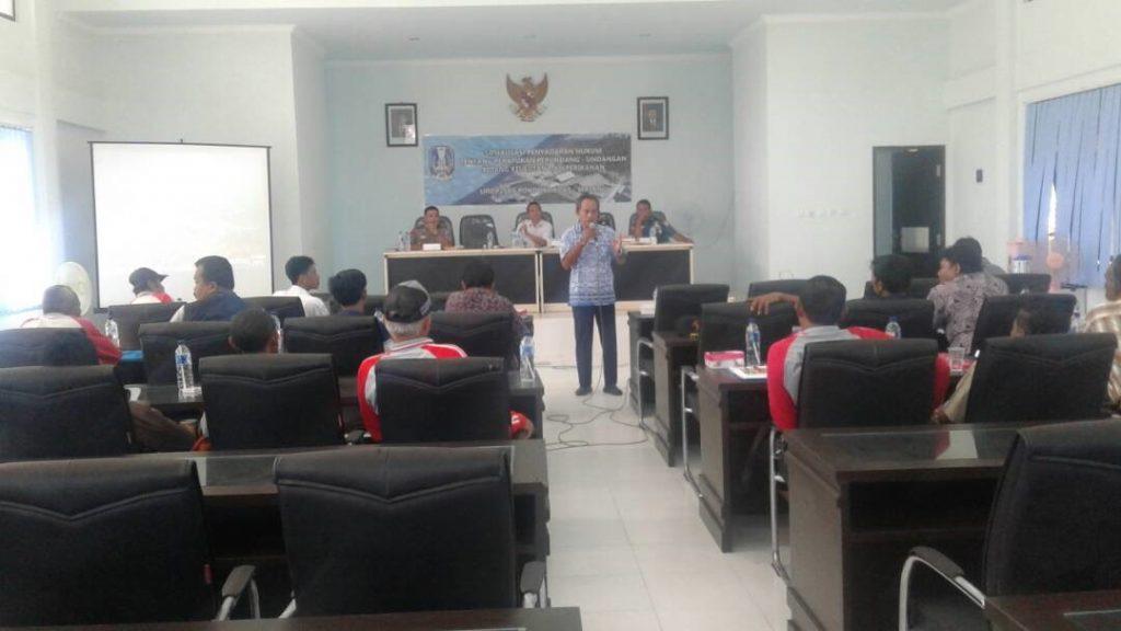 Sesi diskusi yang dipimpin oleh Ketua POKMASWAS Gatra Olah Alam Lestari (GOAL)