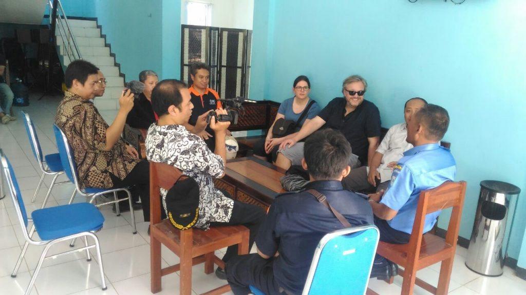 Diskusi antara perwakilan Universität de Saarlandes Jerman dengan Tim Satwas Malang
